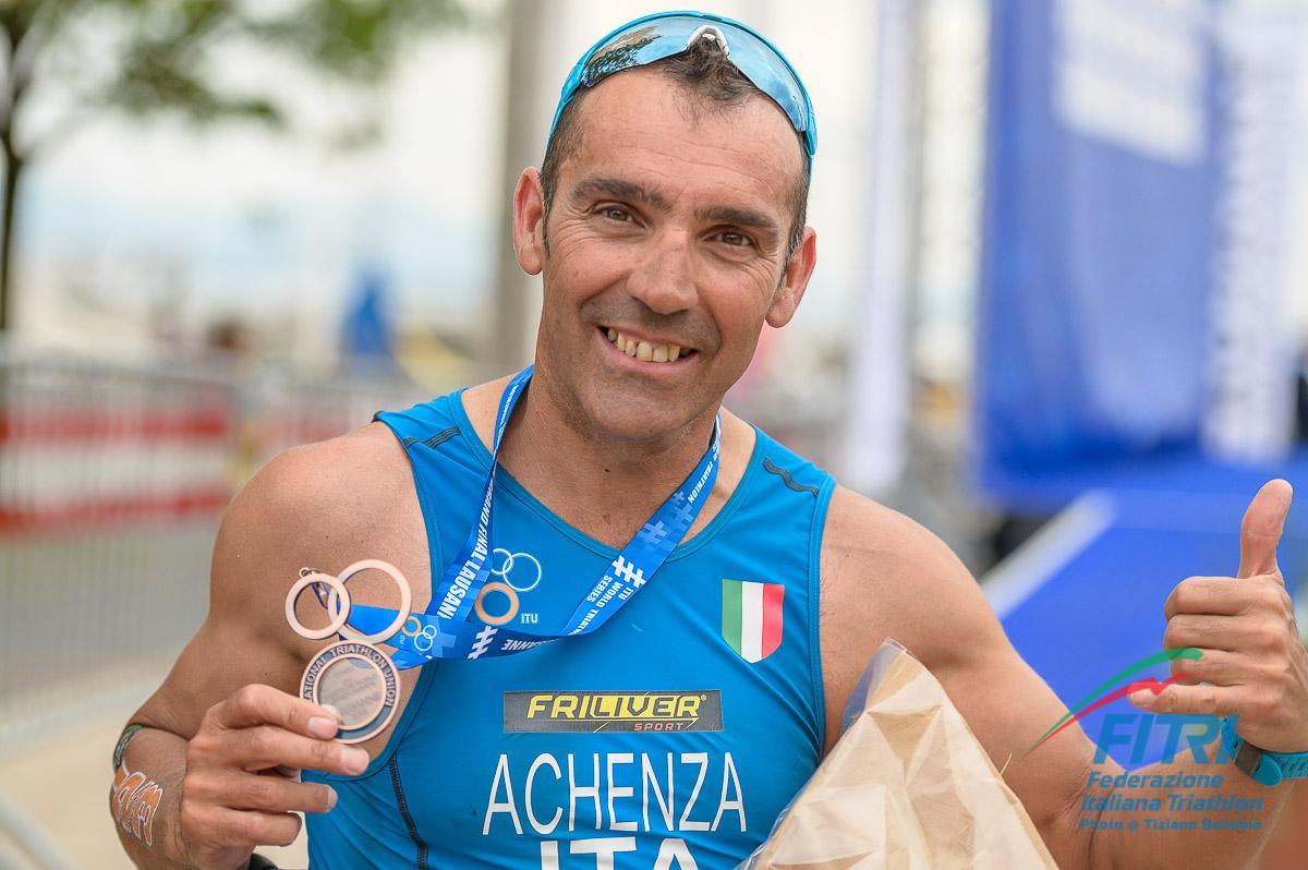 paratriathlon mondiali 2019 losanna giovanni achenza bronzo italia italy triathlon paralimpico paralympics world championships bronze terzo posto third place categoria PTWC