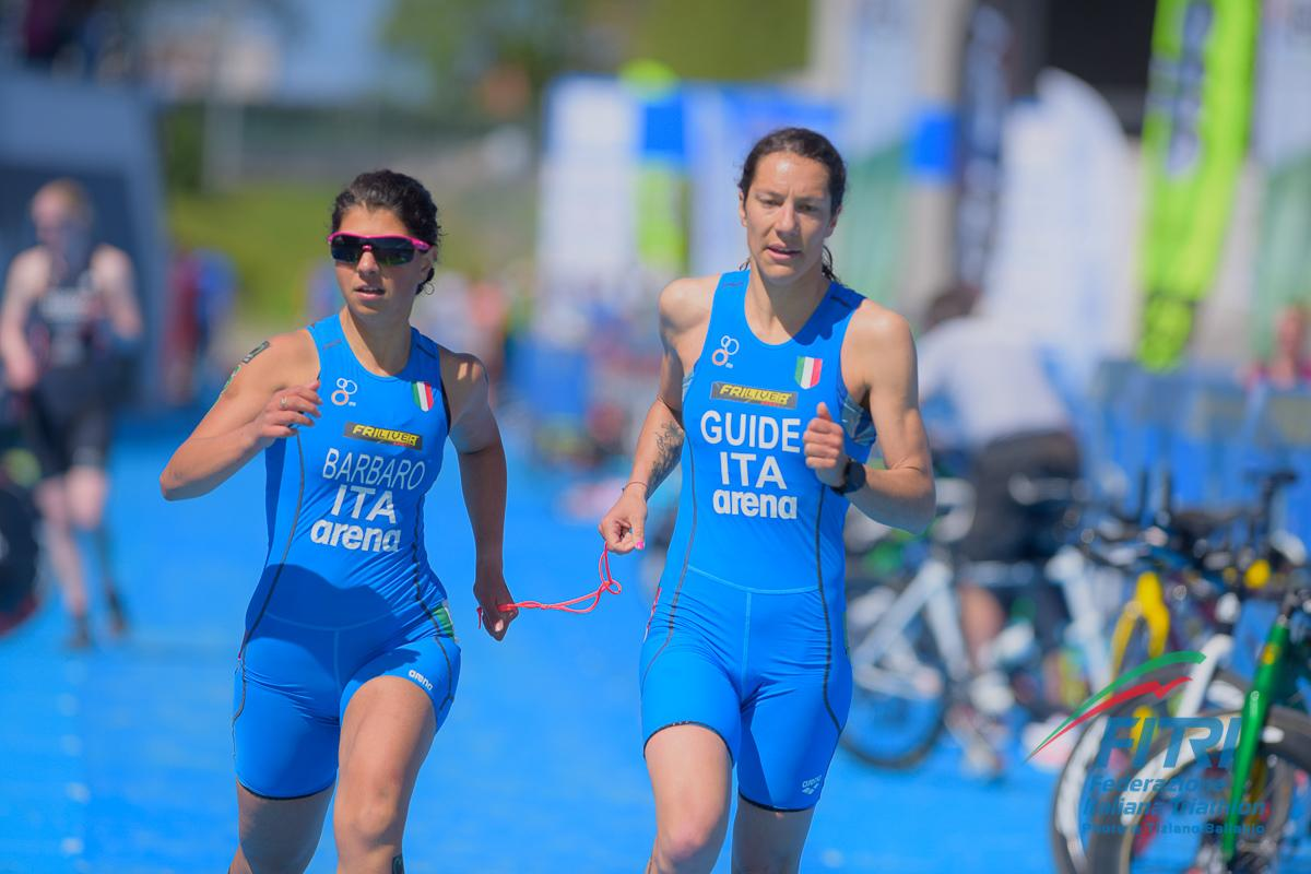 paratriathlon world series 2020 devonport anna barbaro charlotte bonin prima italia italy triathlon paralimpico paralympics categoria PTVI femminile australia guida world paratriathlon series