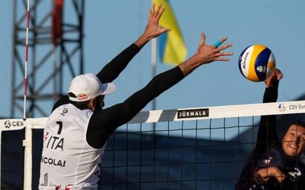 Nicolai/Lupo a muro agli Europei 2020 di beach volley