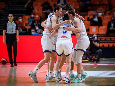 Le azzurre battono la Grecia
