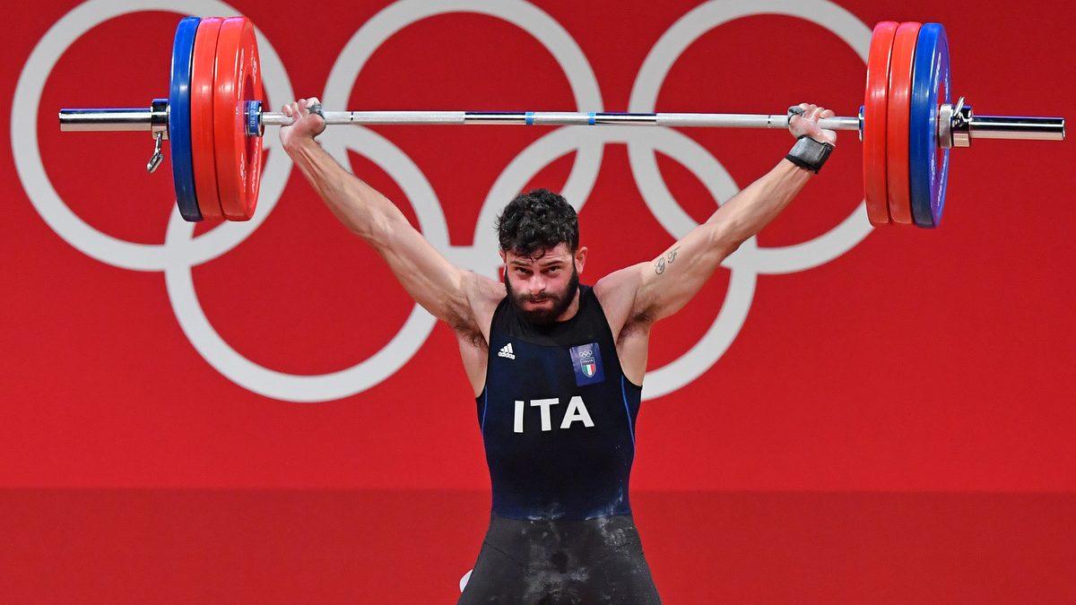 Nino Pizzolato alle Olimpiadi di Tokyo 2020, nella gara di sollevamento pesi categoria 81kg, vince la medaglia di bronzo