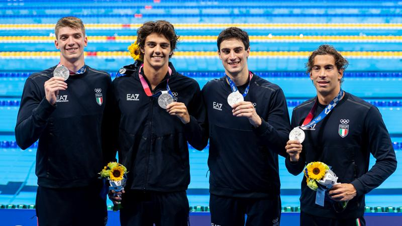 olimpiadi tokyo 2020 giorno 3 staffetta maschile stile libero 4x100 argento italia italy olympics swimming nuoto silver
