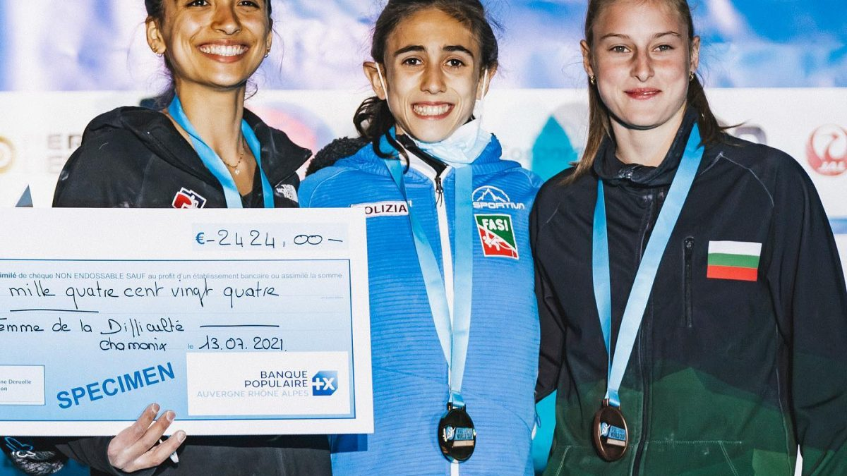 Laura Rogora sul podio di Chamonix (FRA)