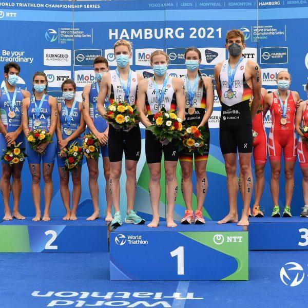 triathlon world series 2021 amburgo mixed relay secondo posto italia italy Beatrice Mallozzi, Alessio Crociani, Carlotta Missaglia, Gianluca Pozzatti second place hamburg germania germany
