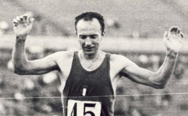 atletica leggera abdon pamich marcia 50 km corda traguardo Tokyo 1964 walking italia italy athletics race walking fiume